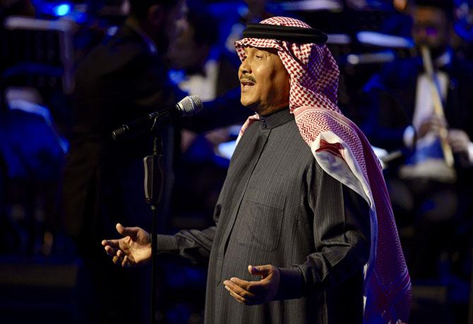 """موقع النجوم   – محمد عبده يفتتح اولى ليالي """"فبراير الكويت"""" بحفل جماهيري ضخم"""